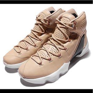Nike LeBron James 13 Elite EXT.  size 9.5 - RARE